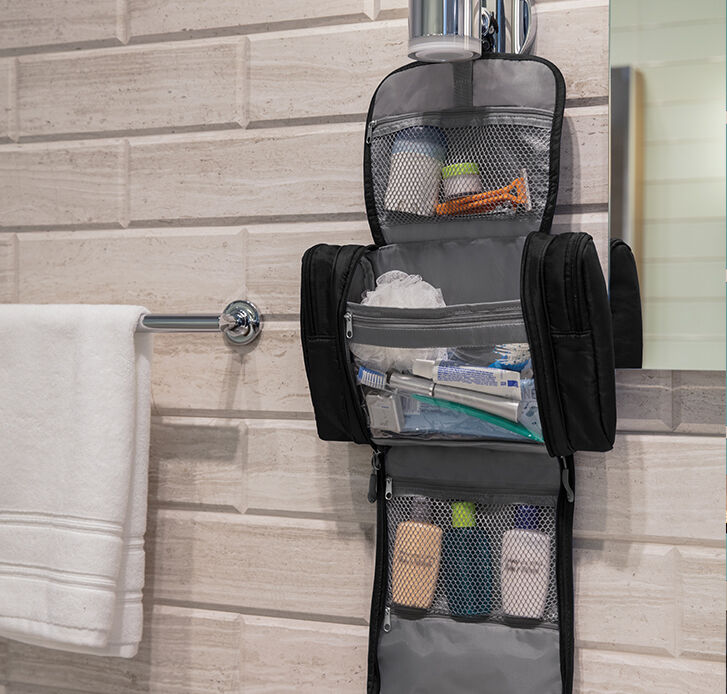 toiletry kits & accessories